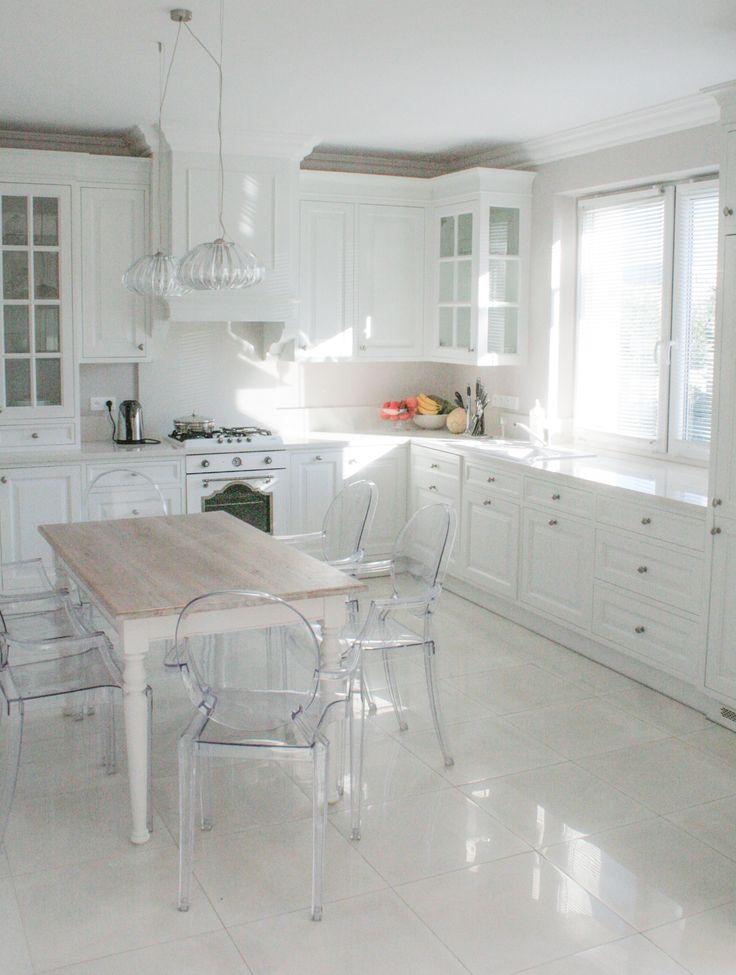 kuchnia angielska, stół do angielskiej kuchni, glamour english kitchen, Handmade Kitchens, wooden furniture,hand painted kitchen, classic style kitchens