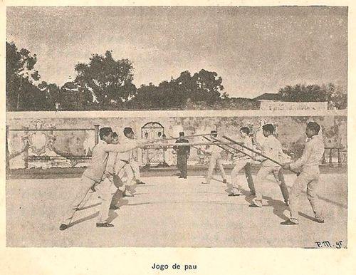 Cartão postal - Lisboa - Real Colégio Militar - Jogo do pau.