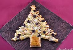 Scopri la ricetta di: Albero di Natale di pasta sfoglia *si può fare anche circolare senza sprecare pasta sfoglia!