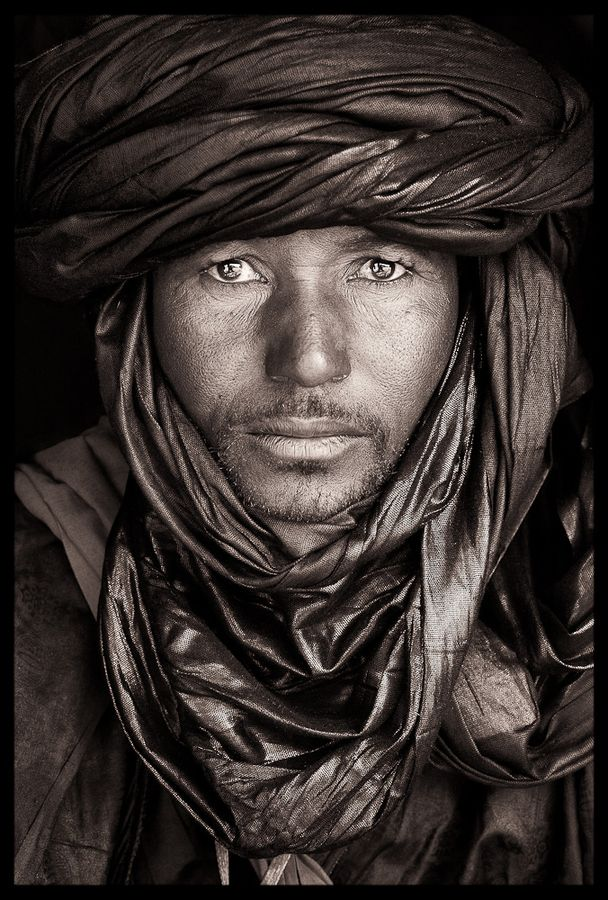 500px / Untitled photo by John Kenny  I would like to know the story behind this.  Reminds me of the one in National Geographic  of the Afgahn girl when the soviets went into Afganistan in 1979...same eyes.