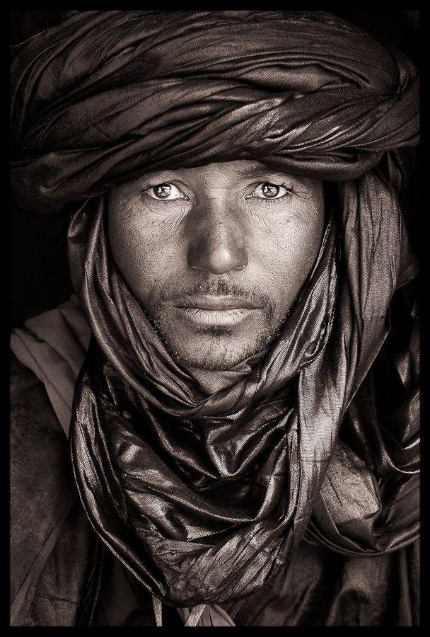 Afganistan                                                                                                                                                     Plus