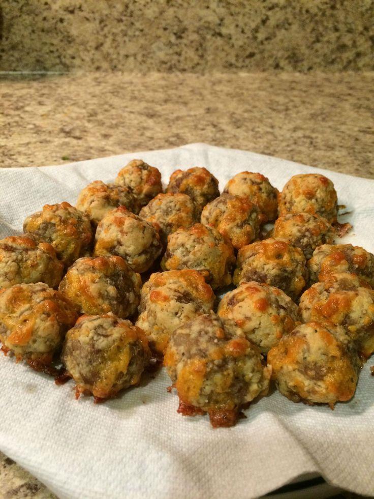Keto sausage balls! Macros per ball: 86.08 calories, 7.3g fat, 0.35g net carbs, 3.94g protein