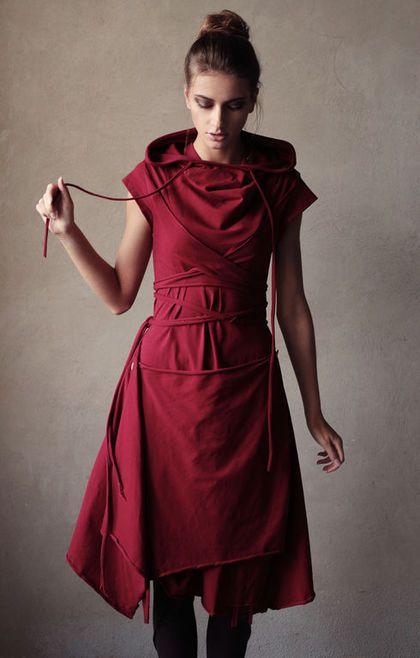 Купить или заказать Платье 'Полимино-Тёмная вишня' с возможностью вариаций элементов в интернет-магазине на Ярмарке Мастеров. Одежда Radivaska - это сочетание повседневного стиля с нестандартным асимметричным кроем, который придаёт изюминку и избавляет от скуки Вас и окружающих. Основная концепция - смелые вариации и комбинации одежды, легко трансформирующейся в Ваших теплых и нежных руках. Драпировки, стяжки, капюшоны и кулисы, выпуклые швы, широкая цветовая палитра в мягком трикотажном…