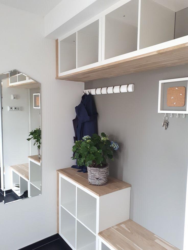 Flur, Eingangsbereich trotz Ikea individuell gesta…