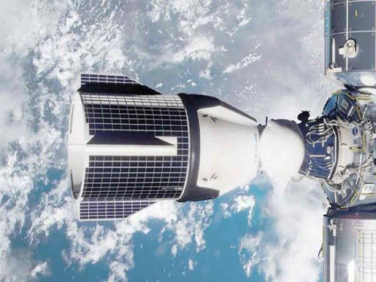 SpaceX lanzó un simulador online que te permitirá ponerte al mando del Crew Dragon, la nave que fue enviada a la Estación Espacial. Cool Stuff, Space Station, Science Fiction, Dragons