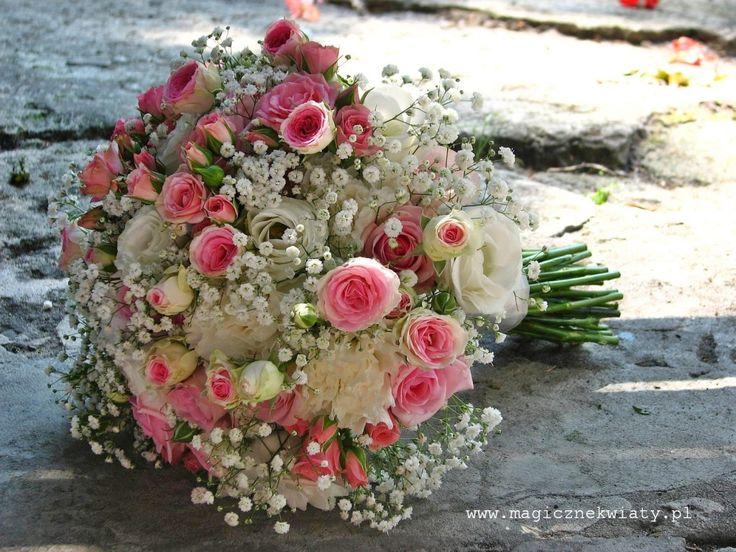 pastelowy bukiet ślubny, wiązanka, biało-różowy, roże, gipsówka, eustomy, goździki, Kraków, Magiczne Kwiaty6