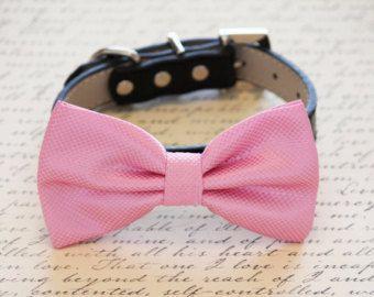Rosa perro pajarita con alta calidad Collar de cuero negro, accesorio de la boda perro, perro pajarita
