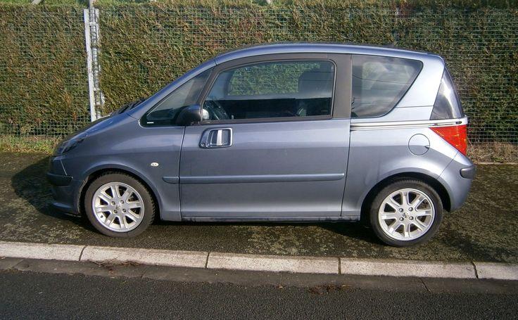 Et si pour votre prochaine location, vous rouliez dans cette jolie #Peugeot 1007 :) Contactez Sabrina !