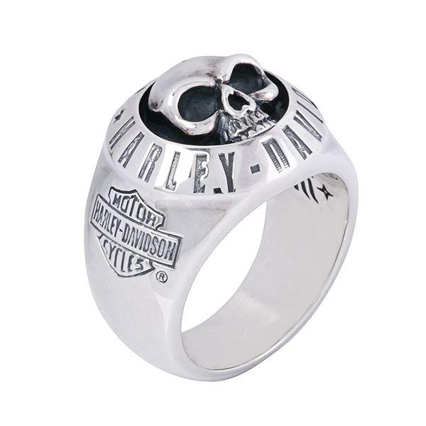 Harley-Davidson Skull Silver Ring by Thierry Martino, designed and crafted by bikers for bikers. #HDbyTM #TMsilverjewelry #TMsilverring #TMsilverskulls http://www.soulfetish.com/en/jewelry/harley-davidson/ring/hdr016