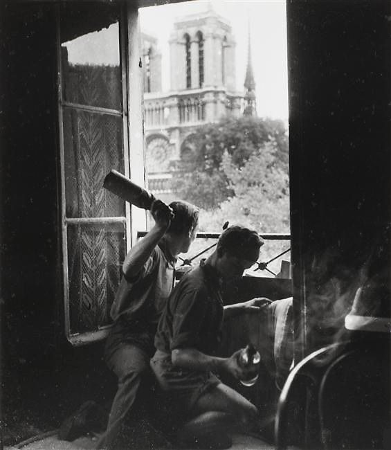 French resistance Molotov cocktails Paris, by Robert Doisneau (Aug 1944)