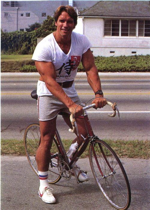 Arnold Schwarzenegger Young Photos - 01