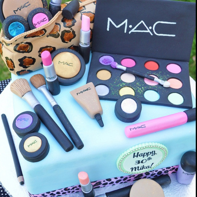 Makeup cake: Dreams Cakes, Cakes Ideas, Mac Makeup, Amazing Cakes, Awesome Cakes, Make Up Cakes, Mac Cakes, Makeup Cakes, Birthday Cakes