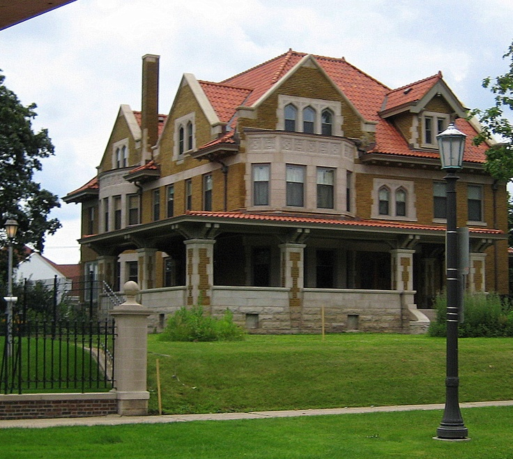 1151 best images about mansions on pinterest mansions for Pretty mansions