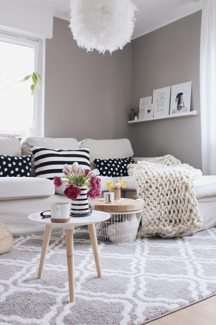Wohnzimmer im skandinavischen Stil einrichten. Wohnzimmer mit OTTO umgestalten. Wohnzimmer Make Over. Teppich für Wohnzimmer. Graue Wandfarbe im Wohnzimmer. Wohnzimmer einrichten und Dekorieren. Zimmer renovieren.