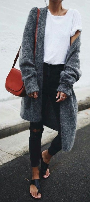 minimal. everyday street style. pop of colour. cardigan. white tee. black skinny jeans.