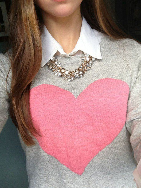 Love this sweater and necklace! Would be great if the collar was built in and not a separate shirt...