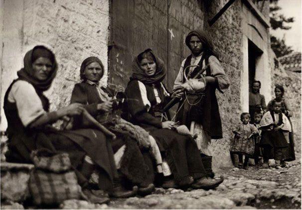 paramythia-1913