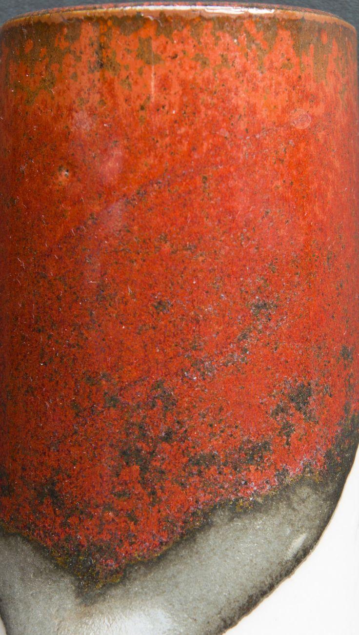 Kaki (Persimmon, Tomato) Glaze | DEREK PHILIP AU | Cone11R | Anderson Ranch Kaki Custer Feldspar 45, Silica 20, Whiting 7, Kaolin 8, Talc 8, Bone Ash 12, Red Iron Oxide 13.5