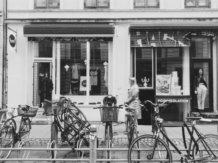 Welcome to Studio Travel store in Blågårdsgade 14, 2200 København. Here in this picture the two girls behind it. #København#Nørrebro#Blågårdsgade#vintagestore#visitCopenhagen#vintage#vintagerareties#vintagepicks#versace#ysl#barbour#missoni#fendi#prada#DanielaLucian#luvii#studiotravel#studiotravelstore