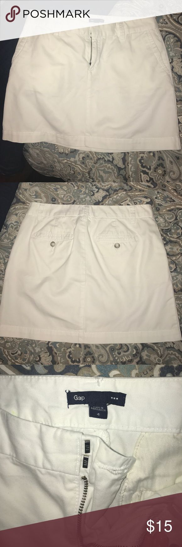 White Gap mini skirt, super sexy! Show off those legs! This white Gap mini skirt is in excellent condition, no flaws GAP Skirts Mini
