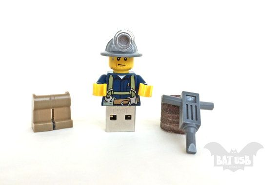 BAT™ 16GB USB flash drive - Memory Stick - Lego® original Minifigure - Worker with tools and hat - Lego usb with legs cap - Minifigure usb by Think4HandmadeArt, €40.00