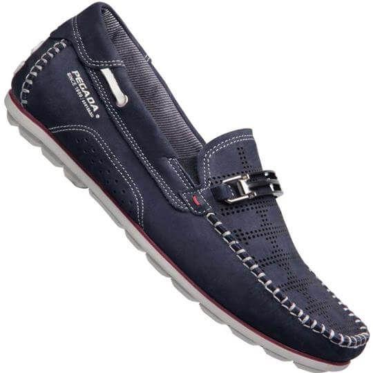 d3e8234877 A Sapatilha Pegada Drive Nobuck Mocassim Masculina chega com conforto e  estilo com tons esportivos! Esta sapatilha da Pegada possui cabedal em couro .