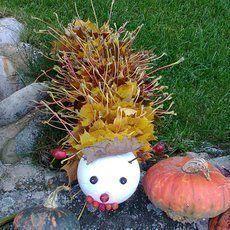 podzimní dekorace - housenka