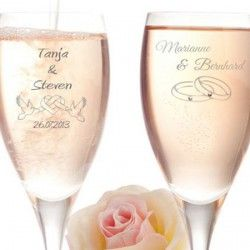 Sektgläser mit Gravur als individuelles Hochzeitsgeschenk