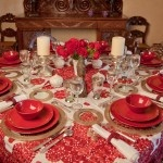 All red tablesetting with embroided tablecloth by www.decopolitain.com pic by Catalina Mesa
