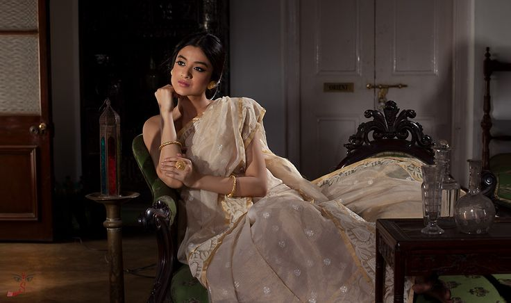 Chikankari traditional embroidery sarees style work has been popular from Lucknow, India. These Lucknowi Chikan Sarees are very famous because of their embroidery work. Shatika presents chikankari embroidery sarees online in different styles, designs, fabrics, and colors at affordable price.
