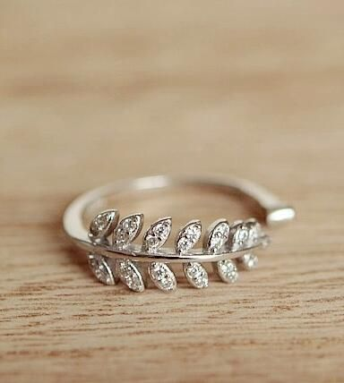 fashion leaf ring http://www.jewelsin.com/p-graceful-olive-branch-plated-women-fashion-ring-1115