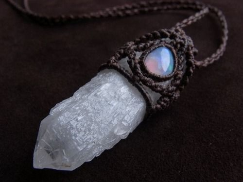 quartz -- the necklace part is crocheted... I might have to try something like this. :)