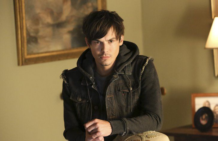 Have a Pretty Little Liars Halloween With These Costume Ideas Caleb Rivers