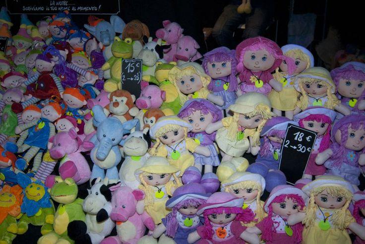 Chi non ha mai avuto una bambolina, un peluche da abbracciare durante la notte...?? Per avere ancora dolci sogni!