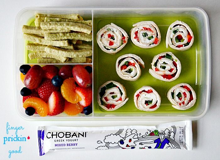 Here's what's inside: The Pioneer Woman Christmas Tortilla Rollups (*Use low carb tortillas)= 20 carbs Fresh Fruit (strawberries, mandarin oranges, blueberries & grapes)= 20 carbs Chobani Yogurt Tube= 7 carbs Veggie Straws= 8 carbs Lunch Total= 55 carbohydrates
