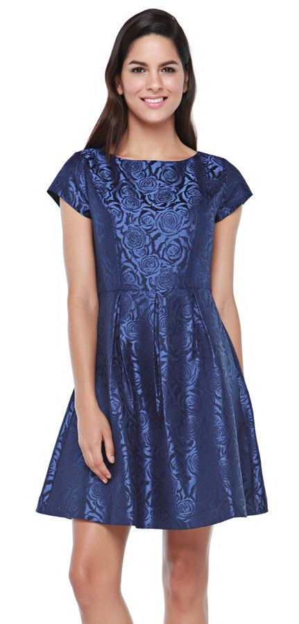 Rose Jacq Dress in blue by Minimal. Just in time for the party season. Minimal delivers this chic and feminine jacquard dress. Wear it with sexy black pumps and black clutch for evening. Classy. http://zocko.it/LD4KN