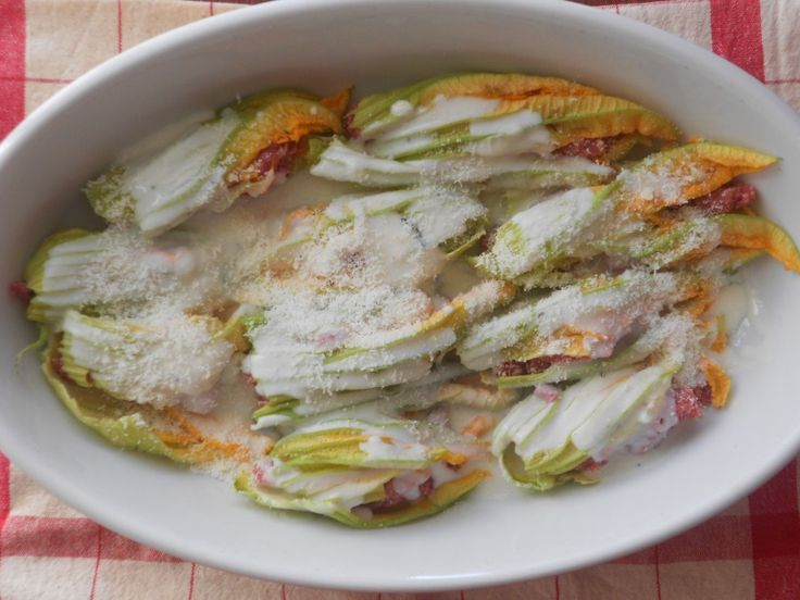 fiori di zucca ripieni di carne macinata