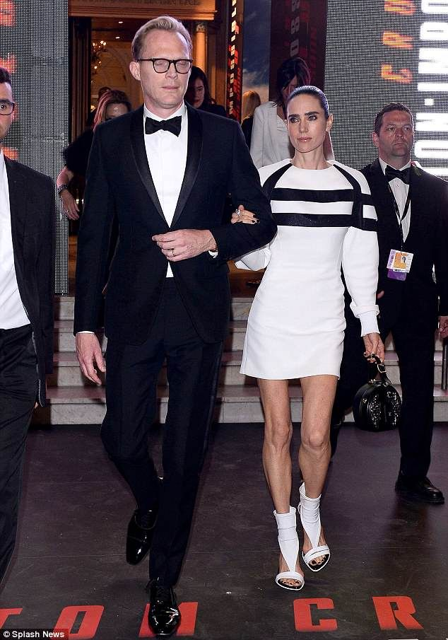 Jennifer Connelly And Husband Paul Bettany Attend Star Wars Premiere Paul Bettany Jennifer Connelly Jennifer Connelly Husband
