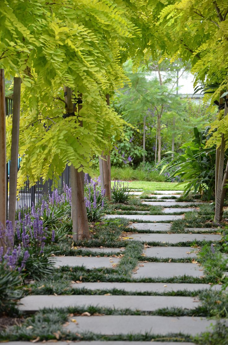 Kew Garden - Eckersley Garden Architecture, photo cred: Eckersley Garden Architecture