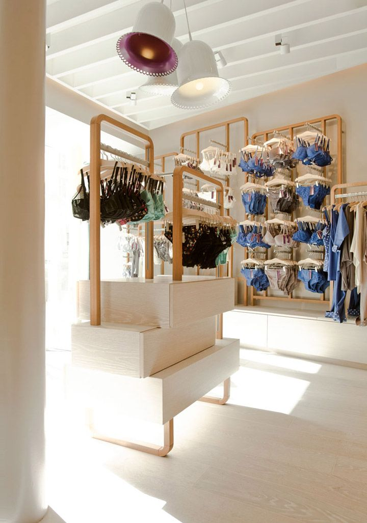 Princesse Tam Tam store by UXUS store design