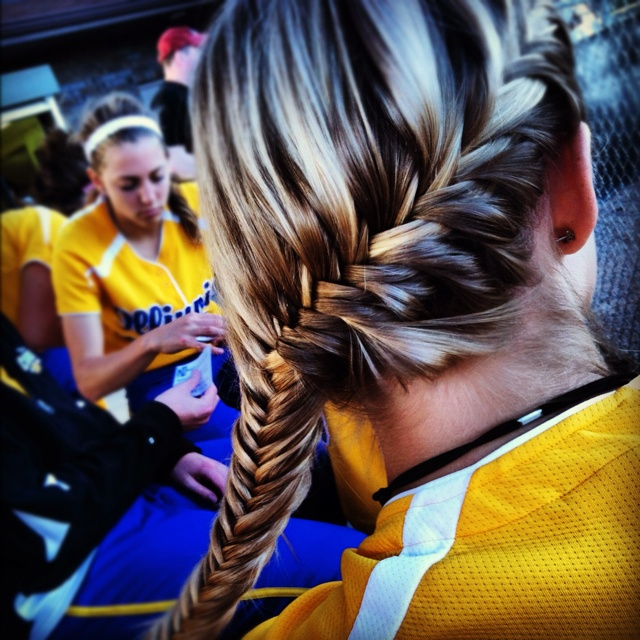 more softball hair ideas! french fishtail by sarrrrr I'm pinning some softball hair ideas for opening day tomorrow