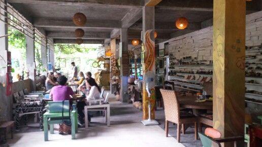 9 Wareng - Bali, Indonesia. Vegan  & vegetarian food
