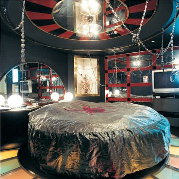 Spider themed room in Japanese love hotel.