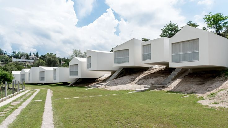 http://www.arquitour.com/5-casas-carlos-alejandro-ciravegna/2015/01/