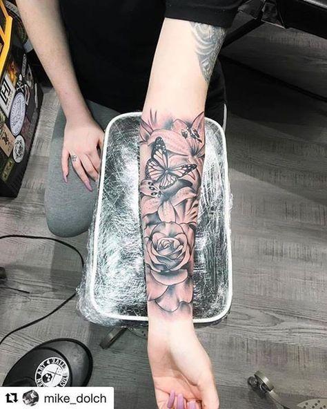 Floral Tattoo von Mike von Diamond Dagger Tattoo Studio – 20170406 – LSR