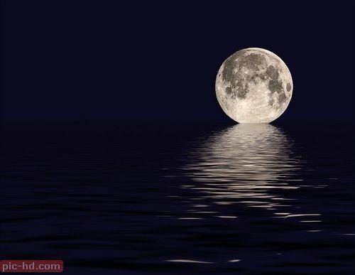 صور القمر ونجوم جميلة حلفيات جميلة للقمر Moon On The Water Beautiful Moon Shoot The Moon