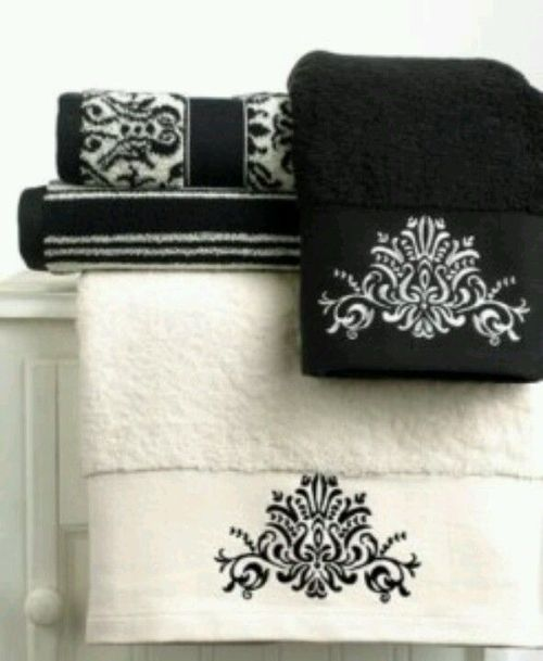 Lovely towels - I would love this in burgandy/cream.