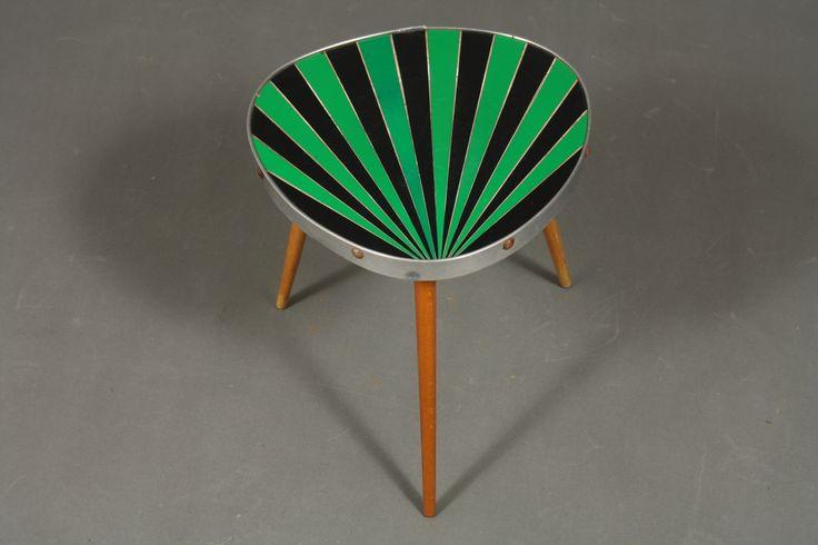 Blomsterbord, sorte og grønne striber, runde ben