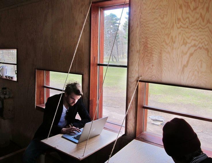 Full Scale Studio constrói casa deslizante na Suécia