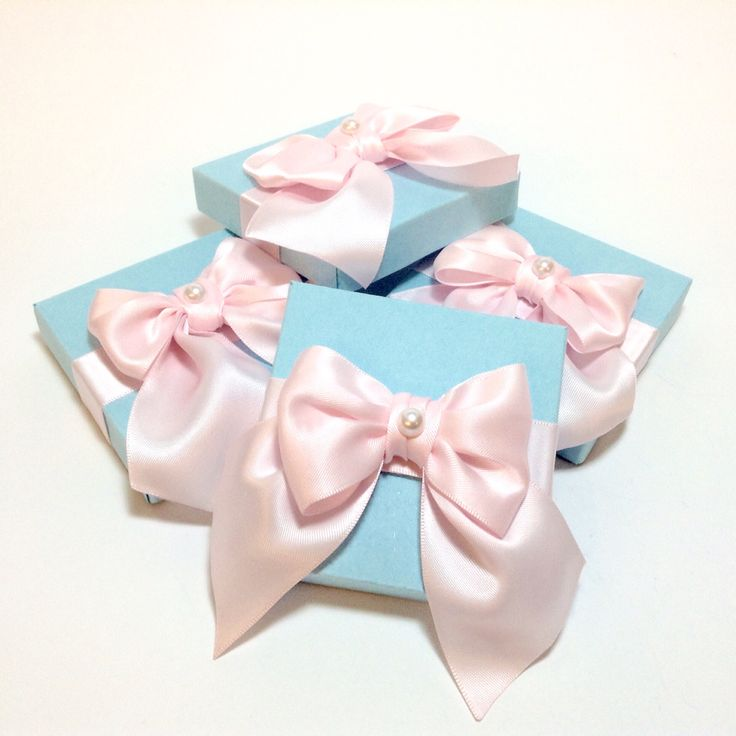Wedding favour in aqua and baby pink